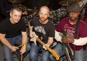 OZ NOY TRIO featuring Dave Weckl & Darryl Jones