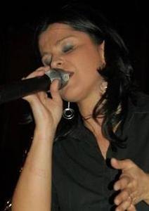 RESTA IN ASCOLTO Tribute Band Laura Pausini