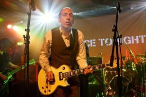 MICK JONES & THE JUSTICE TONIGHT BAND