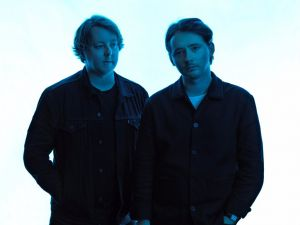 TENDER DUO ELECTRO POP IN TOUR