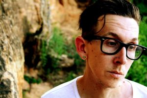 MICAH P. HINSON presenta il nuovo album WHEN I SHOOT AT YOU WITH ARROWS