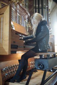 """ANNA VON HAUSSWOLFF """"EUROPE"""" TOUR"""